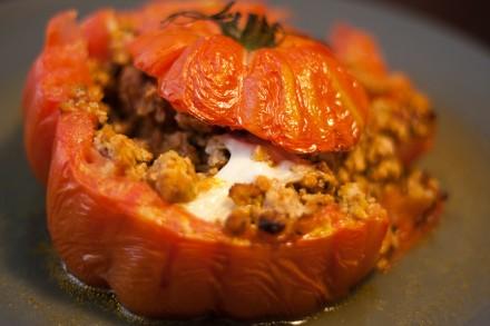 Tomates coeur de boeuf farcies au veau et mozzarella