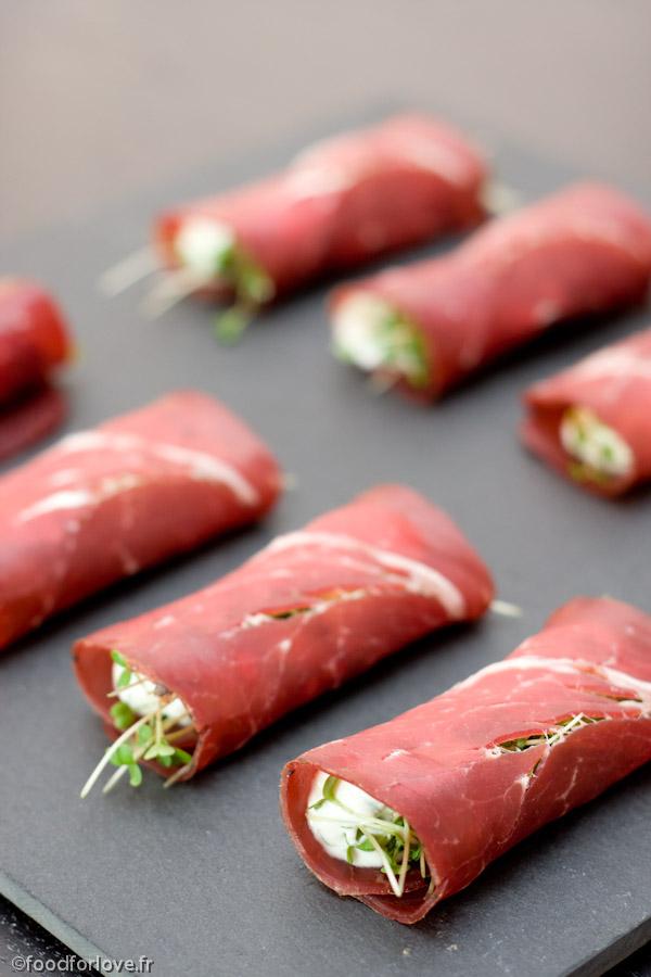 Rouleaux de viande des grisons ricotta et pousses de for Viande cuisinee