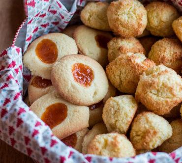 Biscuits Empreinte à la Vanille et Confiture d'Abricot et Rochers Coco Sans Gluten