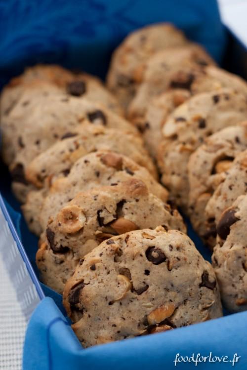 Cookies au Chocolat Noir, Noisettes Grillées et Fleur de Sel