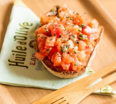 Du changement et une Bruschetta aux Tomates fraiches, Câpres, Romarin et Origan