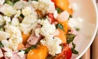 Salade de Melon au Jambon Blanc, Basilic et Carré Frais