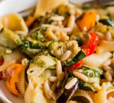 Salade de Pâtes aux Légumes, Pignons et Pesto