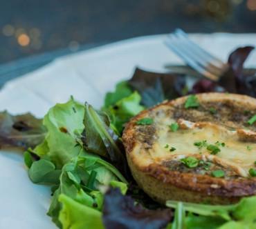 Tartelettes aux Champignons et Brie de Melun sur Mesclun