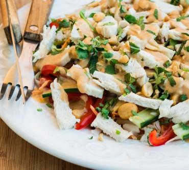 Salade Thaïe au Poulet sauce Satay