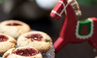 Biscuits Empreintes à la Noisette, Epices de Noël et Confiture [Concours Inside]