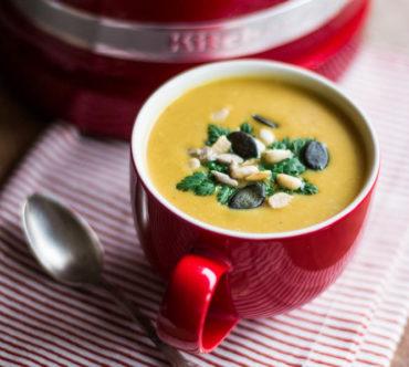 Soupe de Butternut à la Noix de Coco et au Curry