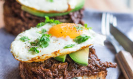 Best Brunch Ever: Tartines de Barbecue Pulled Beef, Avocat & Oeuf